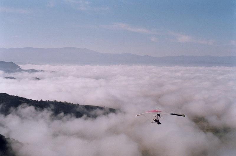 空を飛ぶための翼を手に入れよう!ハンググライダーライセンスを取得するまでの5ステップ