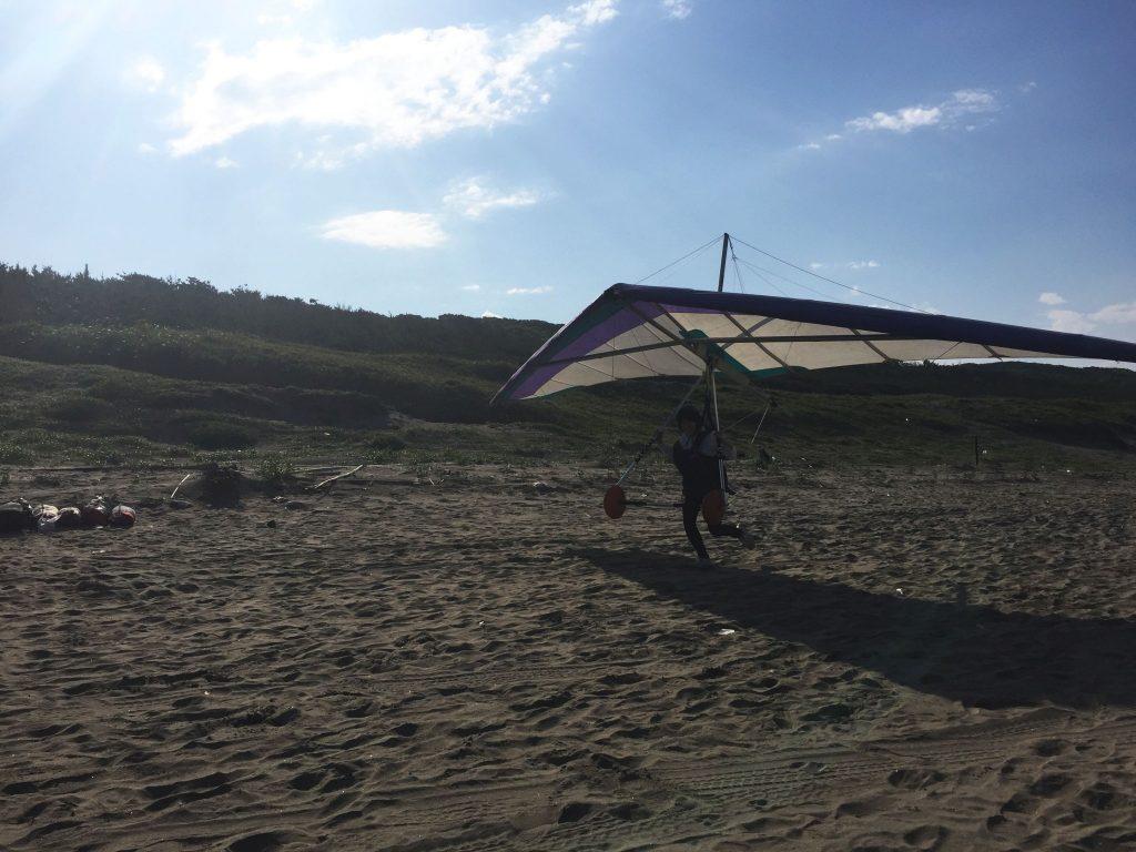 ハンググライダー飛ぶ始める