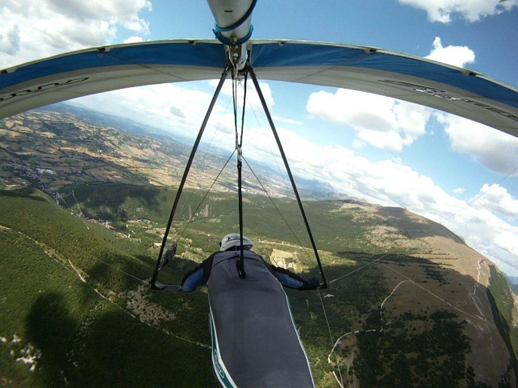 ハンググライダー飛ぶ海外