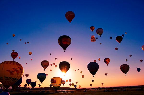 【熱気球】で体感する空の世界